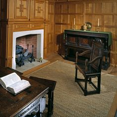 The Geffrye Museum, recreating the hall in a middling Londoner's home in 1630.  Bare wooden floor-boards, cleaned with dry sand, were probably the most usual type of flooring. Patterned rush mats or plain matting, made in strips which could be sewn together to fit the room, were also widely used. Only the wealthiest could afford imported 'Turkey' carpets or English imitations. Both were so highly valued that they were often put on tables and cupboards. © Geffrye Museum