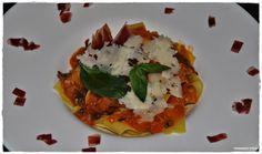 VINO, GASTRONOMIA Y VIAJES (Entre Fogones y Gin Tonics): Pappardelle con salsa de tomates raf y albahaca, a...