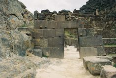 """miamorvolefeyah: """"spaceadmiraldee: """"Ten More Ancient Sites I Want to Visit: Giza Necropolis in Egypt - Ancient Egypt Roman Forum in Italy - Roman Empire Bayon in Cambodia - Khmer Empire Mysteries Of The World, Giza, Archaeological Site, Ancient Civilizations, Roman Empire, Ancient Egypt, South America, Mount Rushmore, History"""
