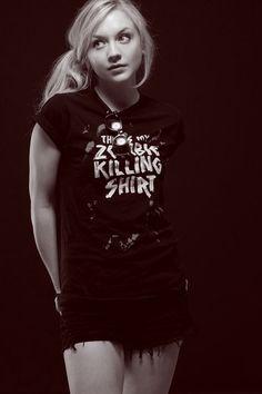Walking Dead's Emily Kinney Is An Amazing Musician