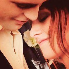 Breaking Dawn - Bella and Edward Twilight Wedding, Twilight New Moon, Twilight Series, Twilight Movie, Bella Cullen, Edward Bella, Edward Cullen, Breaking Dawn, Robert Pattinson