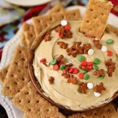 Side shot of gingerbread cheesecake dip in a bowl surrounded by. Informations About Gingerbread Cheesecake Dip Red Velvet Cheesecake Cake, Cheesecake Dip, Peppermint Cheesecake, Dip Recipes, Smoothie Recipes, Cookie Recipes, Delicious Recipes, Crockpot Recipes, Homemade Pimento Cheese