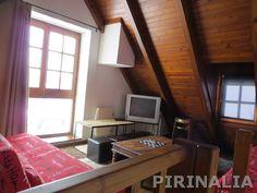 Bonito apartamento situado en Unya para 6 personas. Para más información y reservas: http://pirinalia.com/baqueira-apartamentos.html