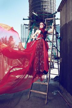 Flowing dress - High fashion Photography  - Judge Xuan Lan is not satisfied with the picture of Mai Giang.