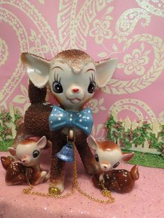 Vtg Anthropomorphic Christmas Fawn Deer W BLUE Polka Dot Tie & 2 Fawns on Chains