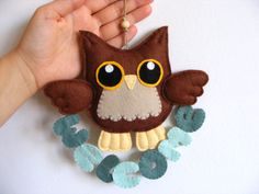 Felt owl with hanging welcome. Wall hanging ornament, felt decoration