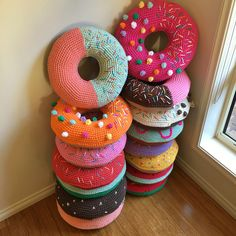 Interview with Flaming Pot (crocheter who made these lovely doughnut cushions)