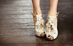 I need to find these shoes... where to get them???? these would be perfect for the May wedding I'm in.