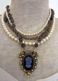 cameo and pearls- what a pretty glass intaglio cameo! Cameo Jewelry, Jewelry Art, Beaded Jewelry, Jewelry Accessories, Fashion Jewelry, Jewelry Ideas, Victorian Jewelry, Antique Jewelry, Vintage Jewelry
