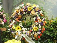 File under: Funeral Fun Facts Sending sympathy flowers to a family in mourning is a great way to show your support and contribute to the funeral arrangements. However, it can be difficult to know … Funeral Flower Arrangements, Funeral Flowers, Diy Wreath, Wreaths, Funeral Songs, Funeral Ceremony, Lds Blogs, Mom Died, Funeral Planning