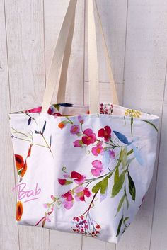 Coin Couture, Couture Sewing, Butterfly Watercolor, Craft Bags, Fabric Bags, Diy And Crafts, Tote Bag, Floral, Handmade