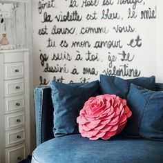 Round-About Chair   PBteen