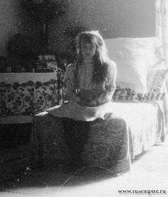 "Grand Duchess Anastasia Nikolaevna Romanova of Russia at Peterhof in 1908. ""AL"""