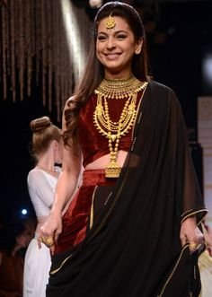 Juhi Chawla turned showstopper for Tanishq at the India International Jewellery Week 2015. #Bollywood #IIJW2015 #Fashion #Style #Beauty