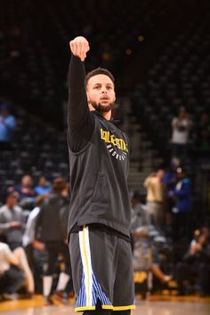 Stephen Curry of the Golden State Warriors warms up before the game against the Boston Celtics on January 27 2018 at ORACLE Arena in Oakland. Stephen Curry Basketball, Nba Stephen Curry, Stephen Curry Shooting Form, Stefan Curry, Chino Hills Basketball, Stephen Curry Wallpaper, Wardell Stephen Curry, Basketball Players, Basketball Rules