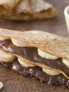 Quick and Easy Chocolate Banana Filled Crepes Breakfast or Dessert Recipe with Nutella. Ready in 25 minutes. Cold Lunch Recipes, Homemade Nutella Recipes, Sweet Crepes Recipe, Crepes Rellenos, How To Make Nutella, Crepes Filling, Hazelnut Spread, Chocolate Hazelnut, Just Desserts