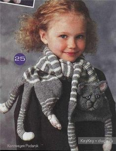 You will love this Knitted Cat Scarf Pattern and it's free! Be sure to check out all the ideas and watch the video tutorial too. Knitting For Kids, Crochet For Kids, Knitting Projects, Baby Knitting, Knitting Patterns, Crochet Patterns, Knitting Needles, Knitted Shawls, Crochet Scarves