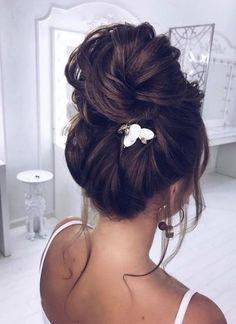 Featured Hairstyle: Elstile (El Style); www.elstile.ru; Wedding hairstyle idea.