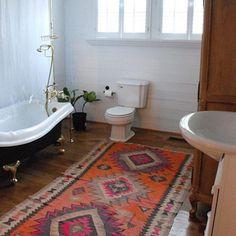 teppich badezimmerteppich meterware Badezimmer können so schön sein! Auch mit wenig Geld (und auf kleinem Raum) können einfache Dinge Großes bewirken. So wird ein langweiliges Bad zu einer Wohlfühl-Oase...