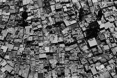Lalo de Almeida – Periferia