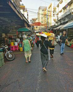 China Town - amazing place! #chinatown #bangkok #thailand #discovernewplaces #discover #newplaces #europeinasia #womenwithfruit #fruits… Bangkok Thailand, The Good Place, Street View, China, Amazing, Places, Instagram, Porcelain, Lugares