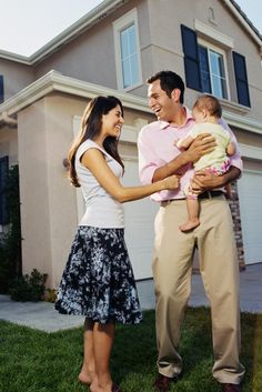 Surviving Buying Season In Canada's Hottest Real Estate Markets Buying First Home, First Time Home Buyers, Investment Group, Investment Property, Canada Real Estate, Refinance Mortgage, Sell Property, Months In A Year, Public Relations