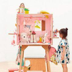 Muebles infantiles para decorar dormitorios para niños. Pupitres y taburetes súper originales . ¡Descúbrelo en Charhadas! #mueblesinfantiles #decoracioninfantil #taburetes #pupitres