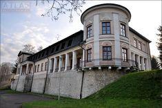 Pałac w Nozdrzcu wybudowany dla galicyjskiego posła Ludwika Skrzyńskiego w 1843 roku. Obecnie stanowi własność prywatną.