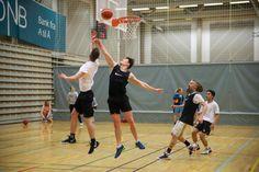 Basket under BIB Cup er fett! Basketball Court, Sports, Hs Sports, Sport
