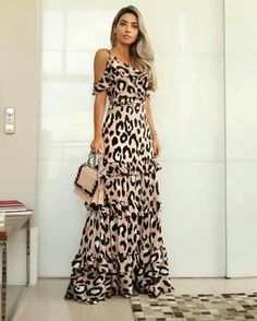 Are you having trouble figuring out what clothes fit better to a skinny girl like you? 8 tips will guide you through the best types of clothes. Leopard Print Outfits, Animal Print Outfits, Mode Kimono, Casual Dresses, Fashion Dresses, Dresses Dresses, Dresses Online, Evening Dresses, Summer Dresses