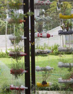 Créez une pépinière suspendue avec des bouteilles en plastique