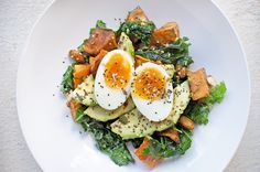 This is a divine, low-sugar brekky option filled with protein and good-for-you fats! I love serving it with a slice of my gluten-free bread.  JSHealth Breakfast Bowl Serves: 1 Ingredients: 2 eggs 1/4 avocado, sliced 2 big handfuls mixed greens 1 tbsp olive or coconut oil 1/2 Sweet Potato A handful of almonds 1 …