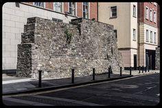 Back Lane: Remains Of Old City Wall (Dublin - Ireland) England Ireland, Dublin Ireland, Ireland Travel, Northern Ireland Troubles, Welsh English, Secret House, Irish Celtic, Emerald Isle, Old City