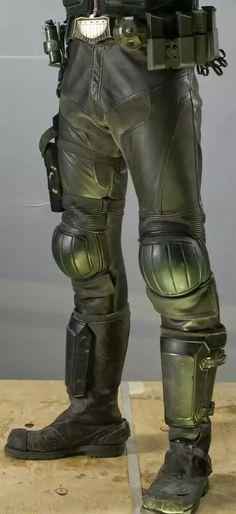 Judge pants