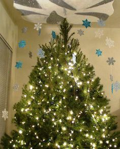 How to make the sparkliest and most unusual Snow Flurry Tree Topper!