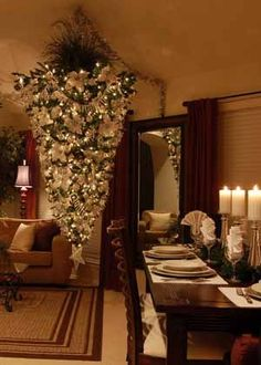 At Christmas, the fir trees defy gravity! - Trendy Home Decorations