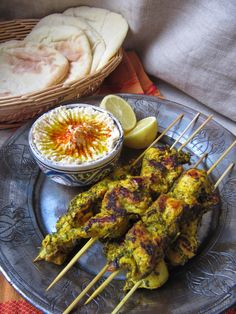 The kitchen here and ISCA: Lebanese chicken skewers Lebanese Chicken, Ramadan Recipes, Lebanese Recipes, Exotic Food, Middle Eastern Recipes, Food Inspiration, Carne, Chicken Recipes, Food Porn