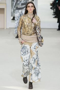 Chanel Fall 2016 Ready-to-Wear Fashion Show - Justine Asset
