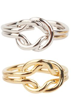 Today's Hot Pick :Pretzel Ring http://fashionstylep.com/SFSELFAA0032103/stylenandaen/out Add a subtle charming detail to your look with this pretzel shaped Ring. It features a double banded ring with a pretzel shaped center. It comes in gold and silver. One size fits most.