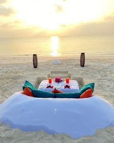 Enjoy the magical evening with your loved ones by the beach. Maldives Beach, First Love, News, Outdoor Decor, Puppy Love