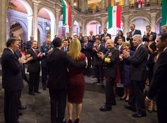 #3erInforme Esta es la máxima expresión del Poder Presidencial en México; la subordinación al Señor Presidente.