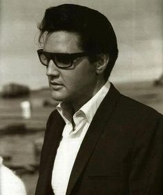 Elvis Presley/I love this photo!