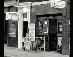 La Giocoda  meeting Place of British music glitterati 60s and 70s  Denmark Street (Tin Pan Alley).