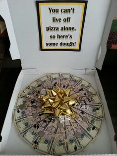 Creative ways to give graduates money Money pizza I made for my sons graduation. Very easy to make:Money pizza I made for my sons graduation. Very easy to make: Creative Money Gifts, Cool Gifts, Diy Gifts, Unique Gifts, Money Gifting, Gift Money, Money Sign, Money Box, Don D'argent