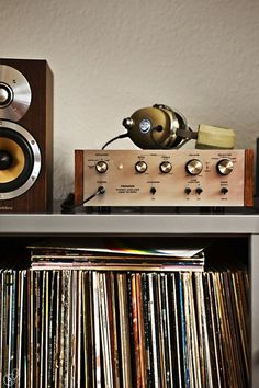 #Vintage hifi pioneer and old #vinyls collection.