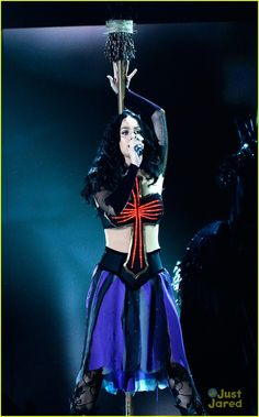 Katy Perry: 'Dark Horse' at the Grammys - Watch Now! | katy perry dark horse grammys performance 1 01 - Photo