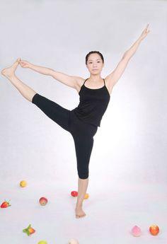 Exercícios de yoga para redução do peso   eHow Brasil