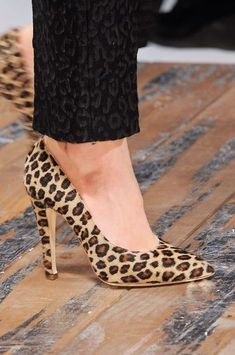 Women's Fashion High Heels : whatchathinkaboutthat: Blugirl Fall 2013 Details High Heels Boots, Heeled Boots, Shoe Boots, Shoes Heels, Fashion Mode, Fashion Shoes, Milan Fashion, Fashion News, Latest Fashion