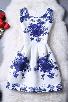 GET $50 NOW | Join RoseGal: Get YOUR $50 NOW!http://www.rosegal.com/cute-dresses/trendy-sleeveless-blue-rose-print-women-s-dress-594732.html?seid=7100241rg594732
