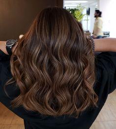 Brown Hair Balayage, Brown Blonde Hair, Light Brown Hair, Hair Color Balayage, Ombre Hair, Brunette Hair Highlights, Haircolor, Medium Hair Styles, Curly Hair Styles